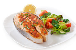 grilled-salmon-with-salad