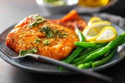 closeup-baked-salmon-fish-with-green-bea