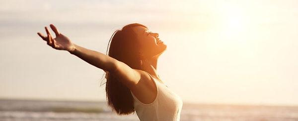 woman-making-vitamin-d-in-sun.jpg