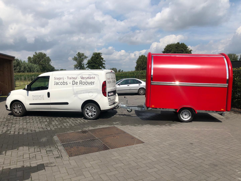 Foodtruck met bestelwagen