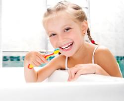FERNANDA ABAD-Girl-Brushing.jpg