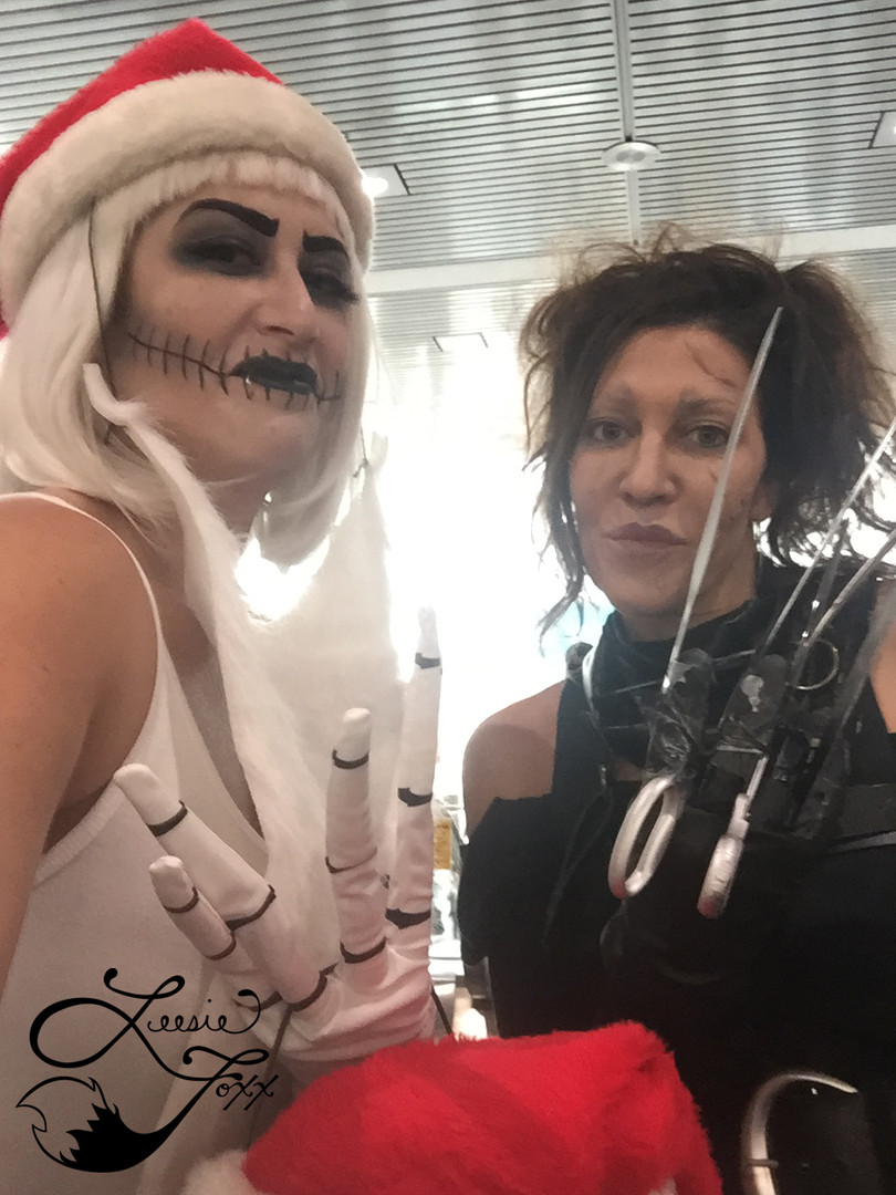 Leesie Foxx Sandy Claws LA Comic Con 2018