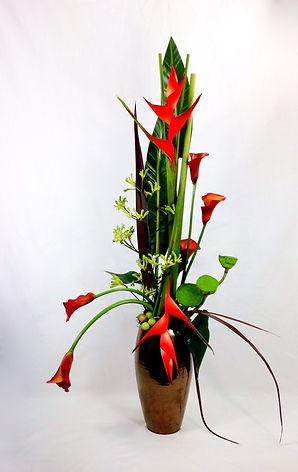 Zommerbloemstuk door Natys Floral Design & Services