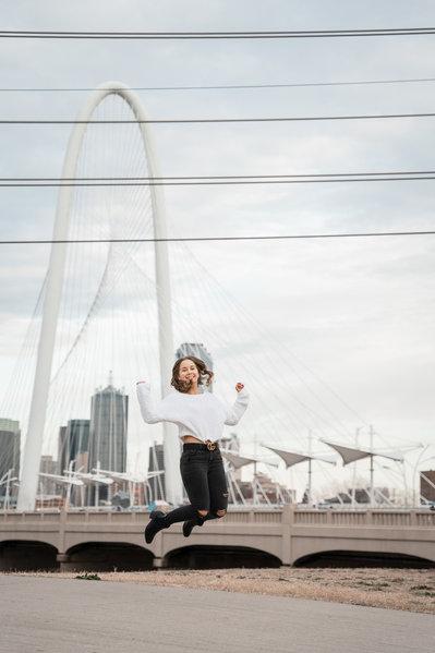 Graduation Pictures_Downtown Dallas_Frid