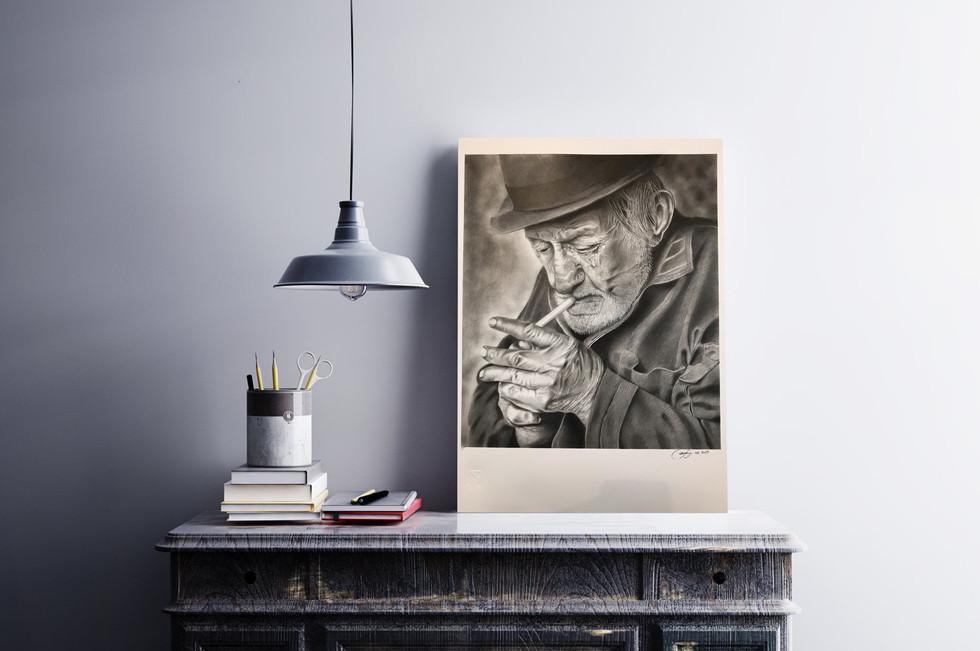 Vecchio con sigaretta