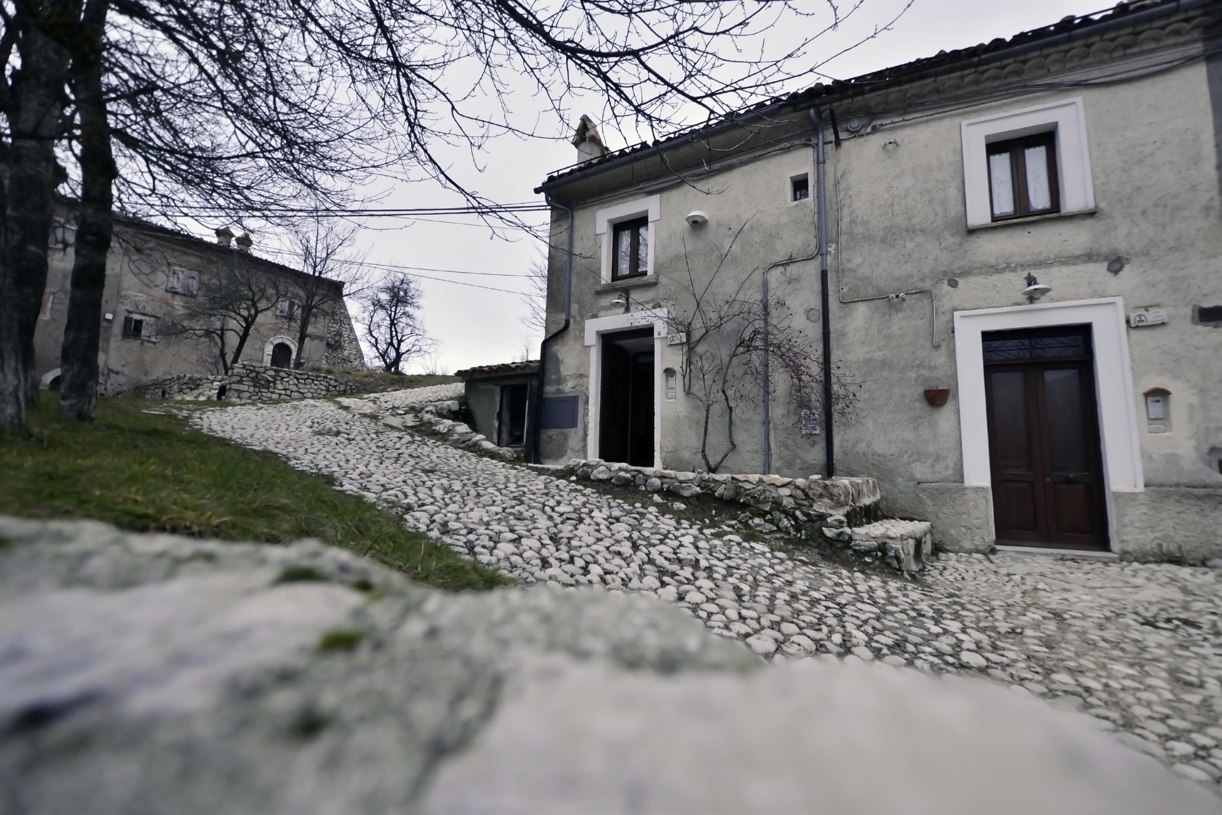 Case a Rovere Rocca di Mezzo