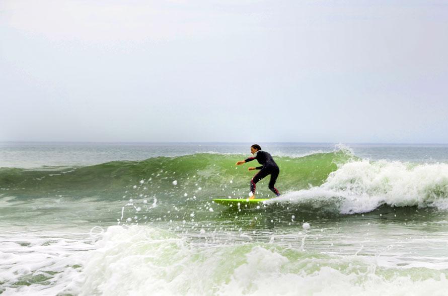 Esther_surf_web