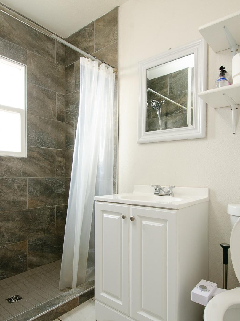 1st Bathroom.jpg