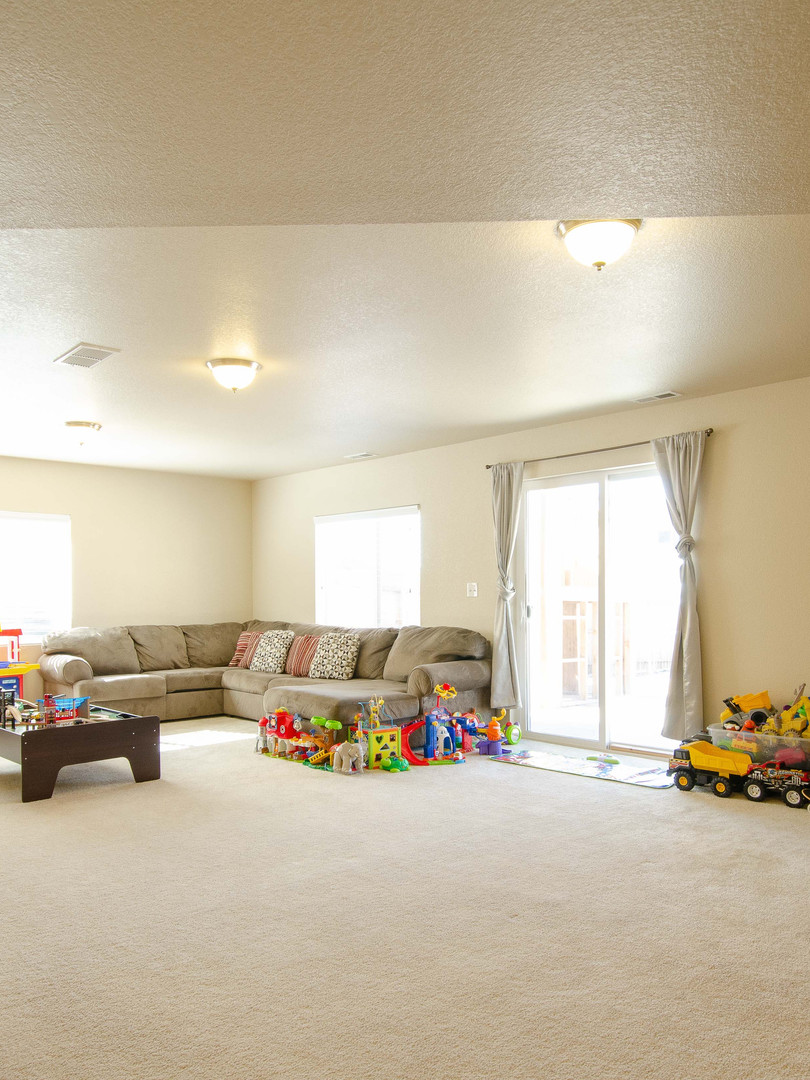 Family Room 1.jpg