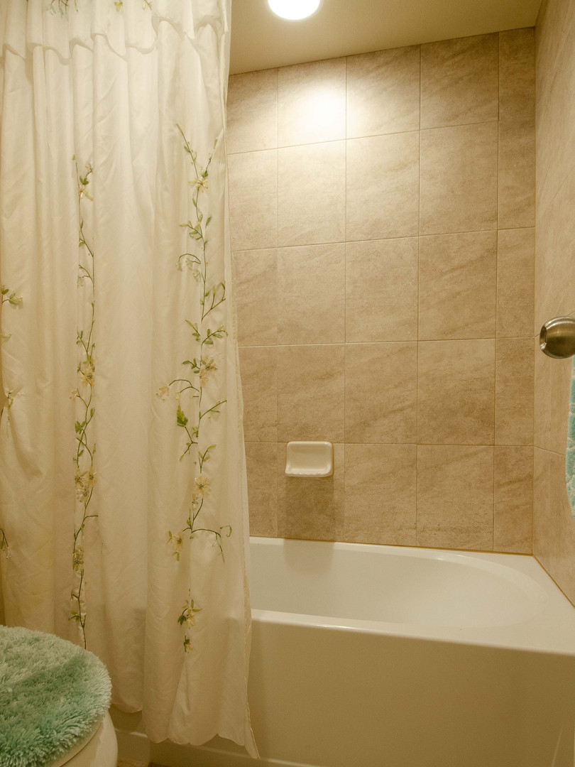 3rd Bathroom 3.jpg