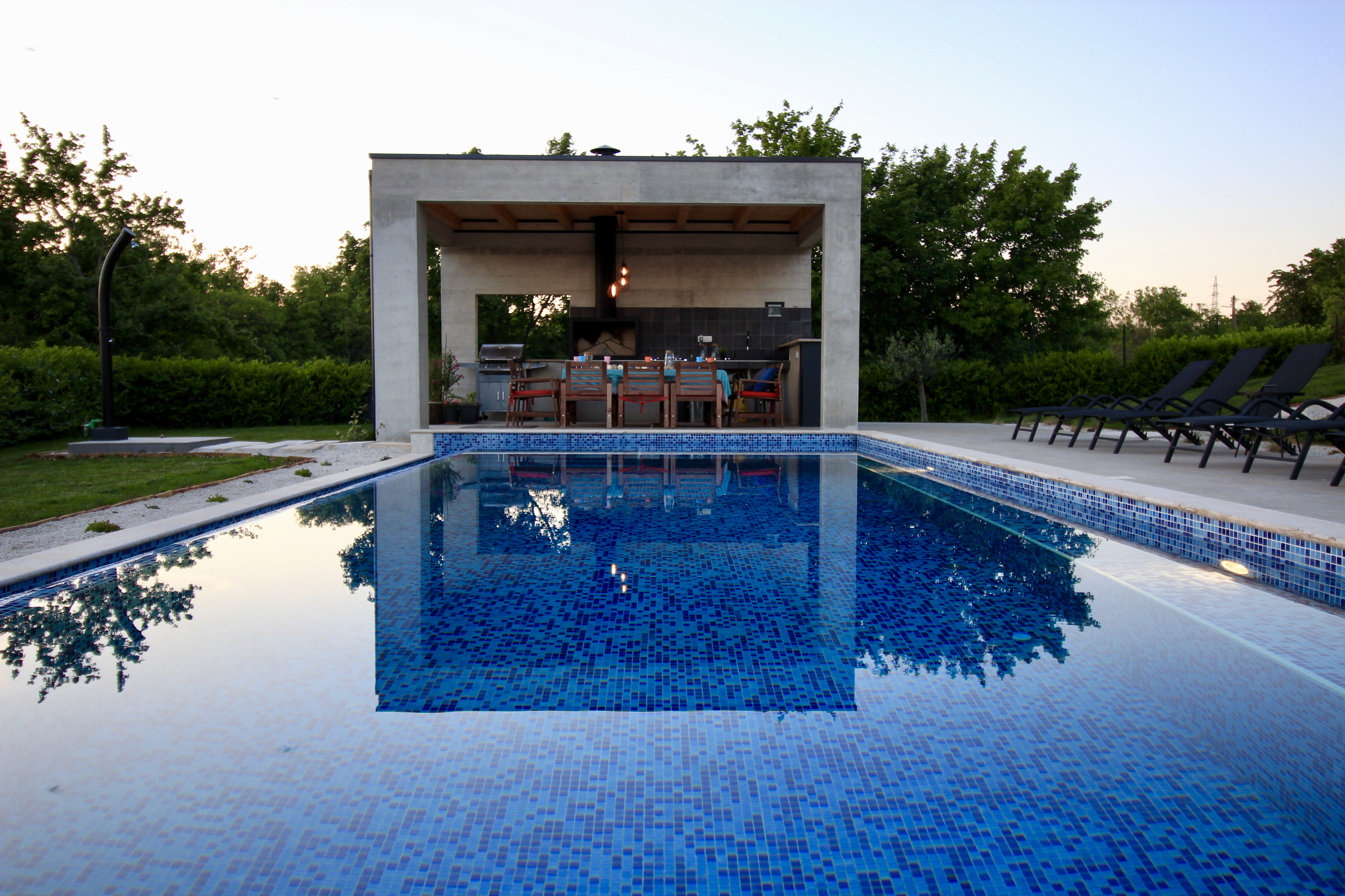 summer kitchen pool at villa2m