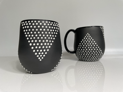 studded v line mug