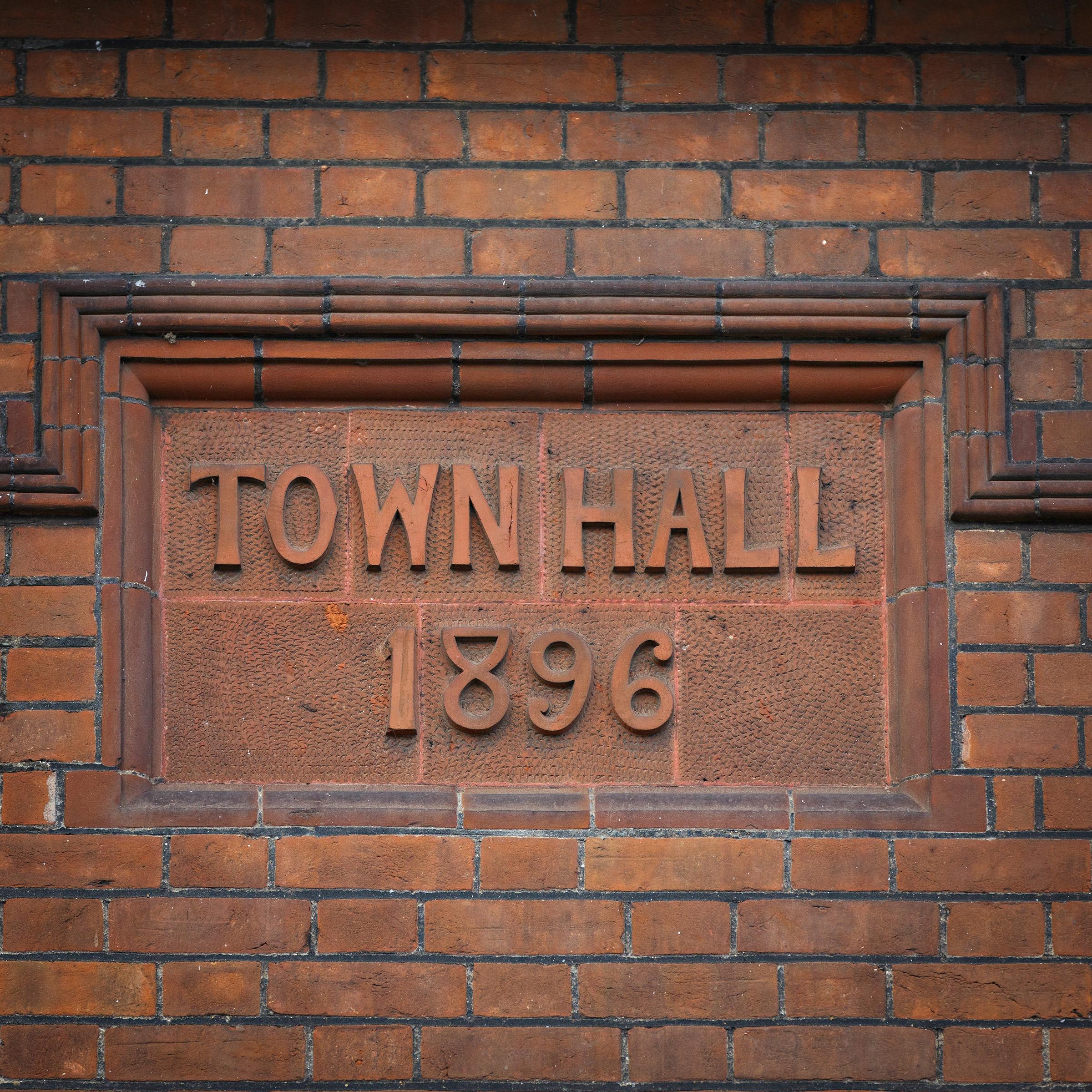 141002-TownHallHo-106