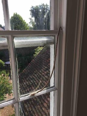 Snapped sash window cord