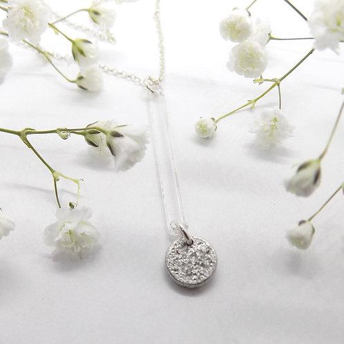 TInymoon & acrylic bar necklace