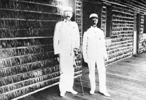"""Gambler, swindler, """"Hell-Roaring Jake"""": Jacob Smith (right) in Tacloban, Leyte. With General Adnan Chafee."""