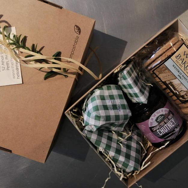 £18 Cheese Gift Box