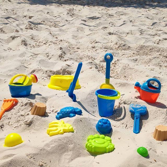Τα κουβαδάκια σου και έλα παραλία.._#iBe