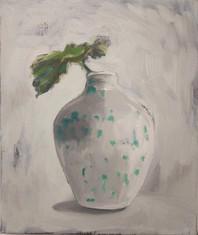 green dot vase withh leave