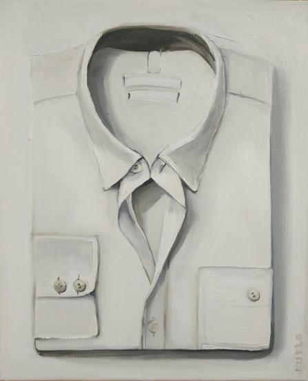 white folded shirt nr.1
