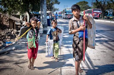 Young mens - Birmanie