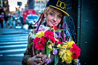 Ny - La fille aux fleurs