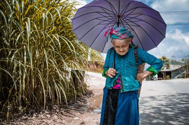 Vietnam- Le parapluie bleu