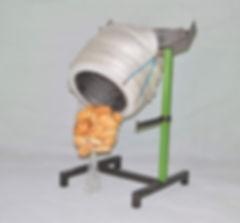 Brötchenverpackungsnetz auf einem Einfülltrichter
