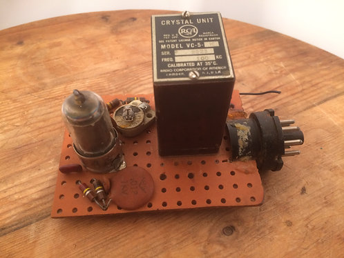 Crystal Unit RCA Model VC-5 & 6BA6 Pentode Valve