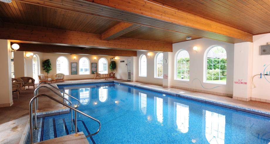 Oxford Apartment Pool