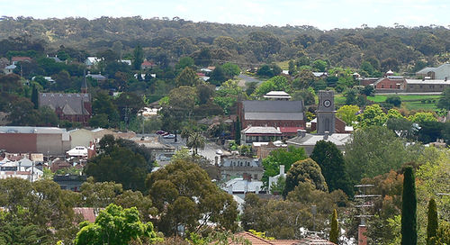 Castlemaine_from_burke_and_wills_memoria