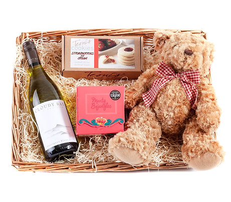 Wickers Just Because Hamper