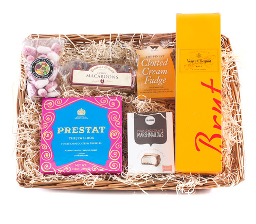Veuve clicquot champagne gluten free hamper personalized gift veuve clicquot champagne gluten free hamper personalized gift baskets uk wickers gift baskets negle Image collections