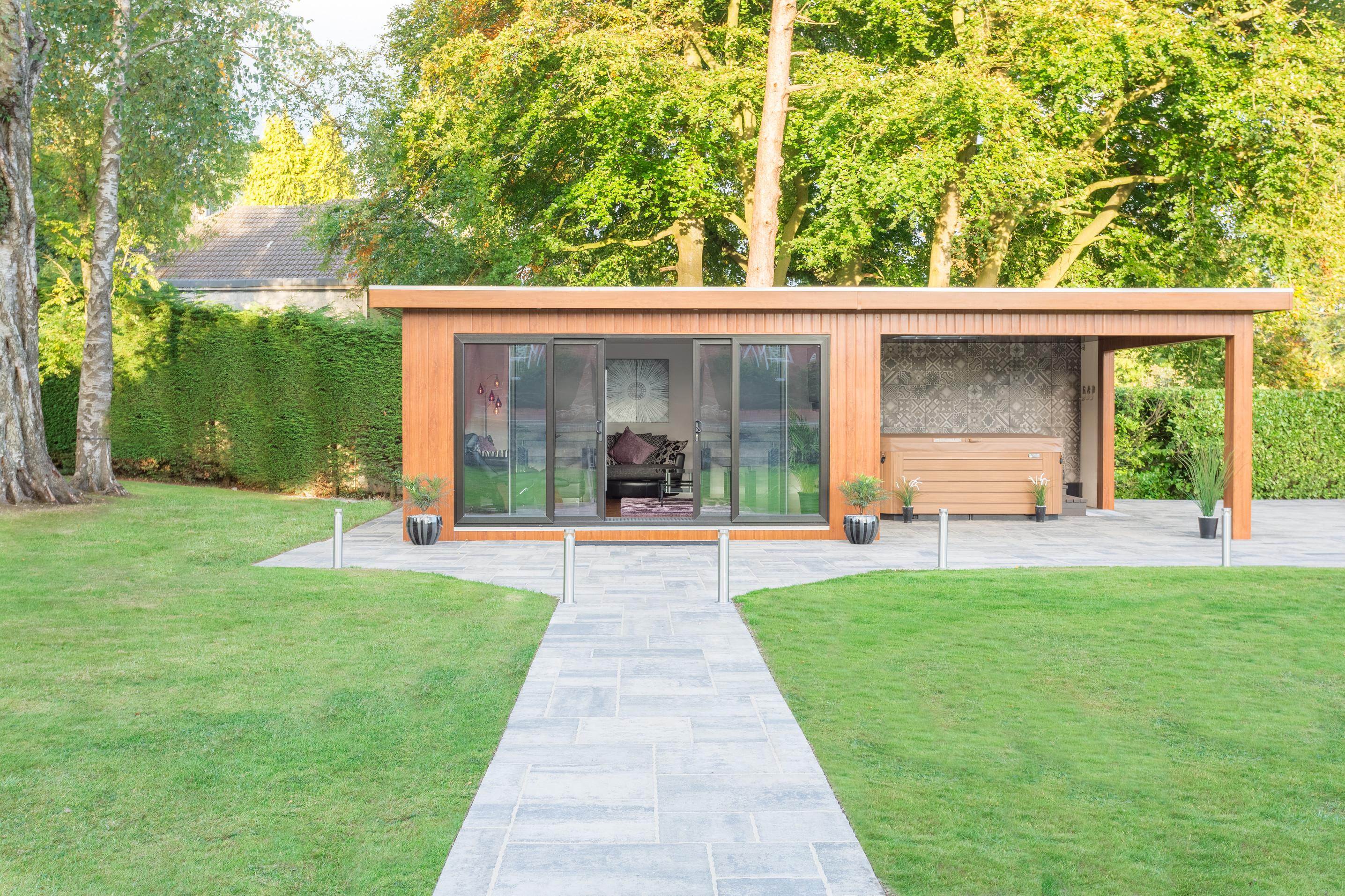 luxury-garden-room