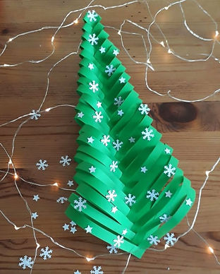 Christmas zig zag tree © minicreativity.