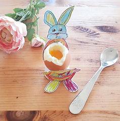 Egg cup © minicreativity
