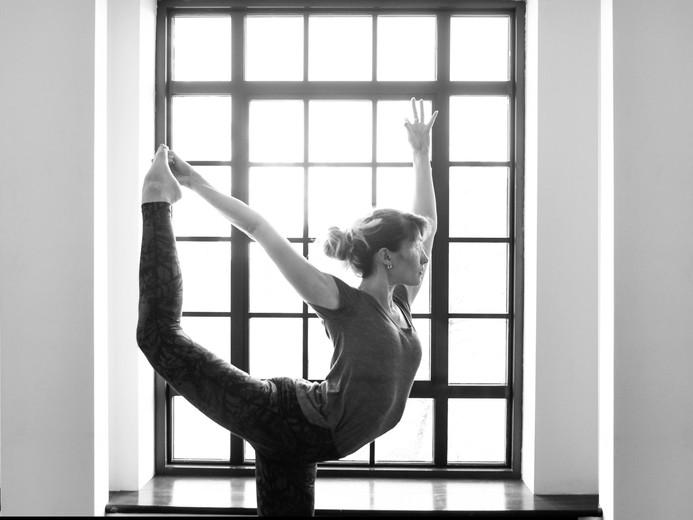 dancersPB&W.jpg