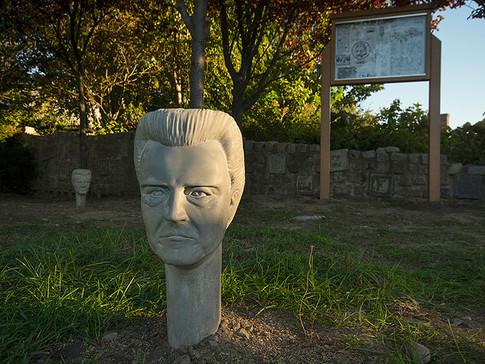 Monument to Walken