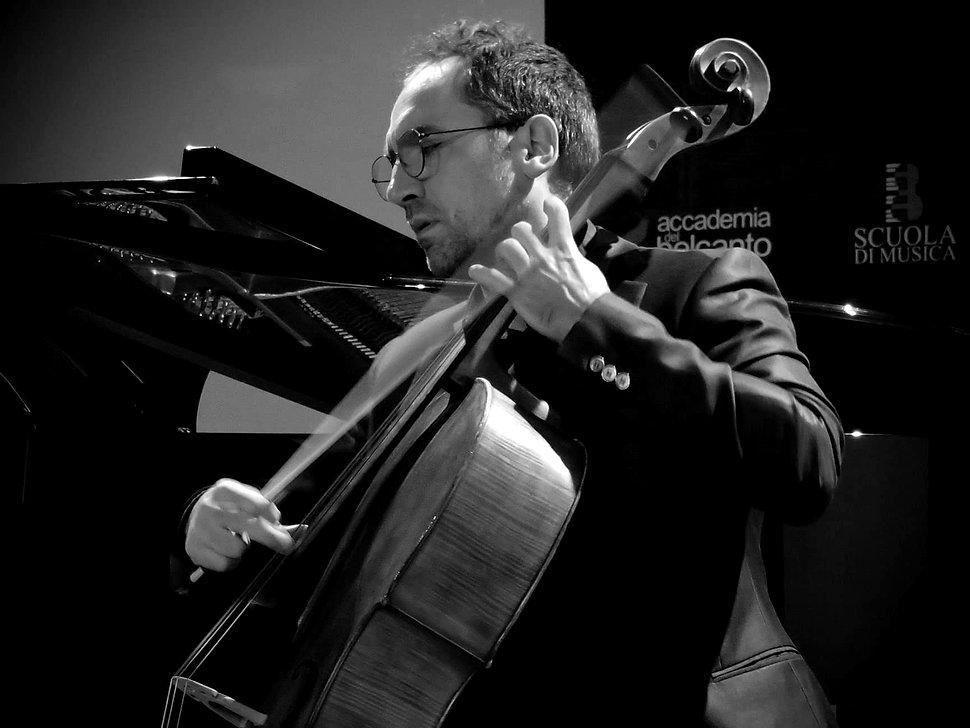 Gaetano Simone Violoncello e Viola da Gamba