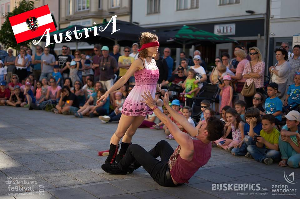 Austria Strassenkunst Circo Puntino