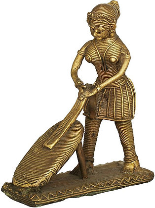 Woman Washing Clothes - Tribal Statue