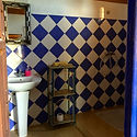 The ensuite bathroom in room Wahed
