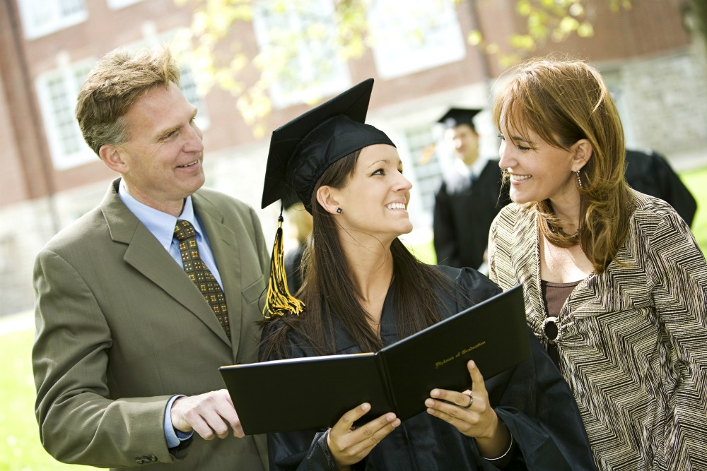 Graduate-with-Parents.jpg