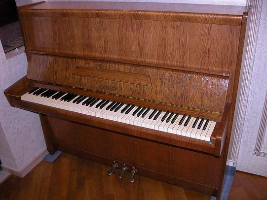 подержанное концертное пианино б/у маркиPetrofmod.Klassik115 популярное пианинофабрикиПетрофф модель Классик 115 настроено по лучшей цене в Москве Петроф