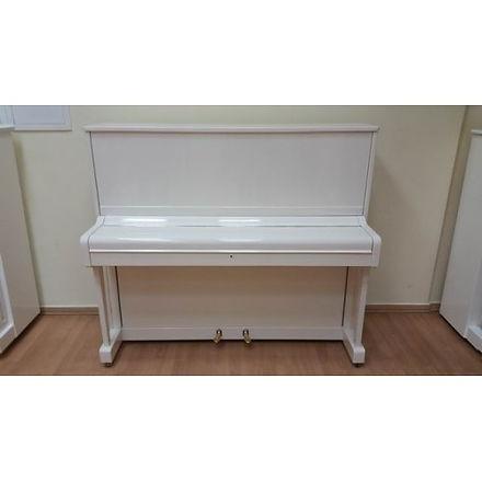Белое пианино Petrof 125 см высоты, концертное звучание, крепкий строй.  Восстановление (модернизация, реставрация) выполнены в 2016 году московскими мастерами. Пианино Петроф белого цветаб/у