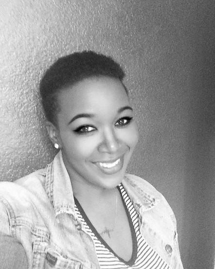 365-Day Selfie Challenge with Author Simone Allen!