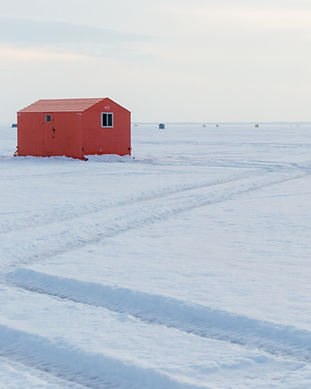 AdobeStock_213836853_ice fishing hut nor