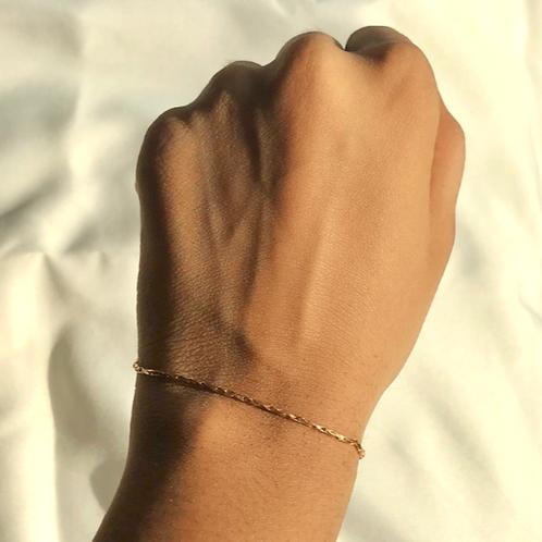 Dainty Twist Bracelet