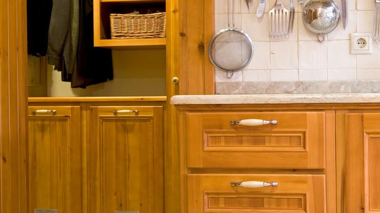 Cozinha e Lavandaria clássicas . S. Domingos de Rana . 2003