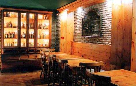 Restaurante-Bar Celtas e Iberos . Docas de Santo Amaro . Lisboa . 1998